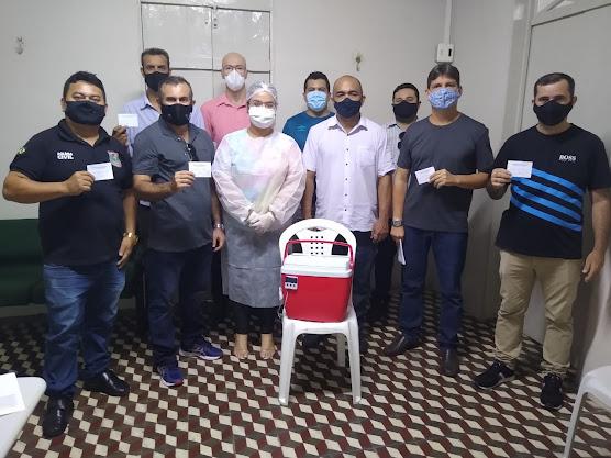 Policiais Civis são vacinados contra Covid-19 em Camocim