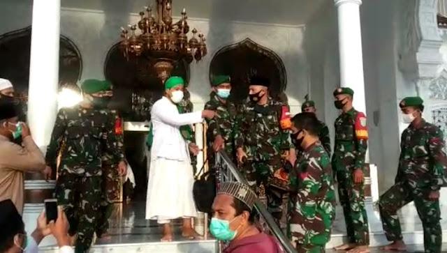 Video Cekcok Pimpinam FPI Aceh dengan TNI, Mau Berdoa Harus Dirapid Dulu
