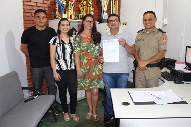 ARAGUATINS: Sargento J. Pedro do 9º Batalhão completa 30 de serviços prestados e assina pedido de transferência para a reserva da PMTO