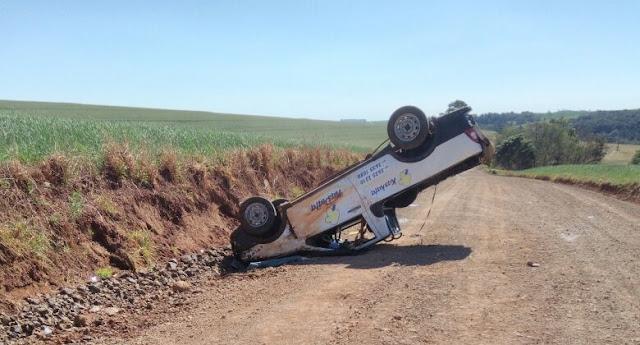 Motorista perde controle e capota na estrada que liga Roncador a Mato Rico