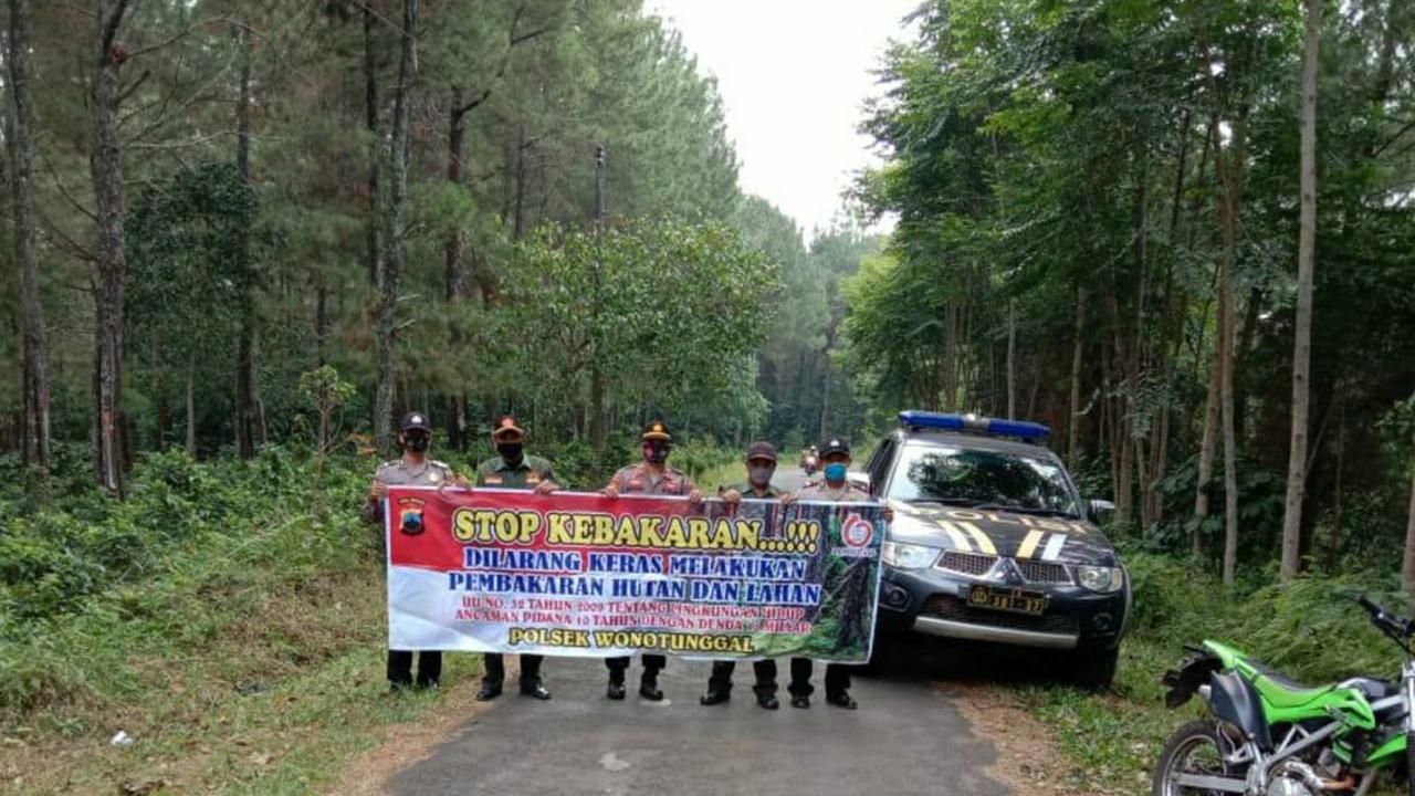 Cegah Karhutla, Polsek Wonotunggal bersama KRPH Sodong dan LDMH Melaksanakan Patroli Terpadu