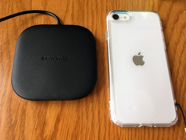 iPhoneSE2とワイヤレス充電器