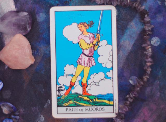 Saiba o significado da Carta do Pajem ou Valete de Espadas no Tarot do amor, dinheiro e trabalho, na saúde, como obstáculo ou invertida e como conselho.