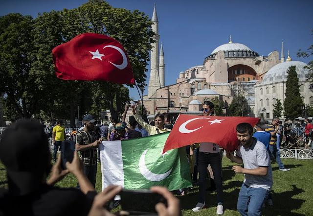 Το επικίνδυνο παιχνίδι του Ερντογάν