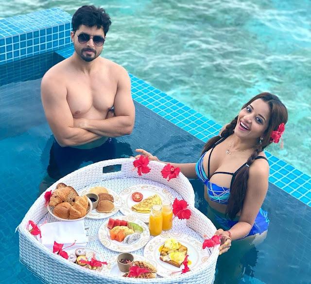 Bhojpuri actress Monalisa flaunts her toned body in blue bikini