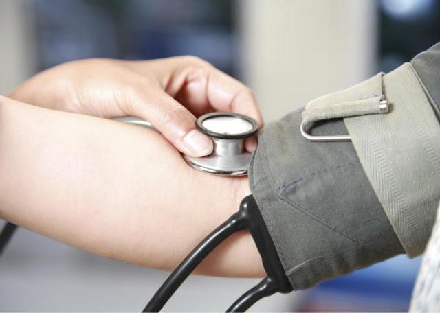 Hãy cẩn thận hỏi ý kiến của bác sĩ khi sử dụng thuốc tránh thai để giảm thiểu tác dụng phụ không mong muốn