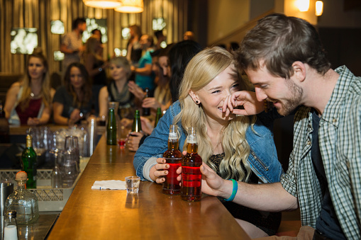 8 Little Ways to Be Awesome on a First Date