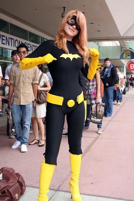 nice figure bat girl costum