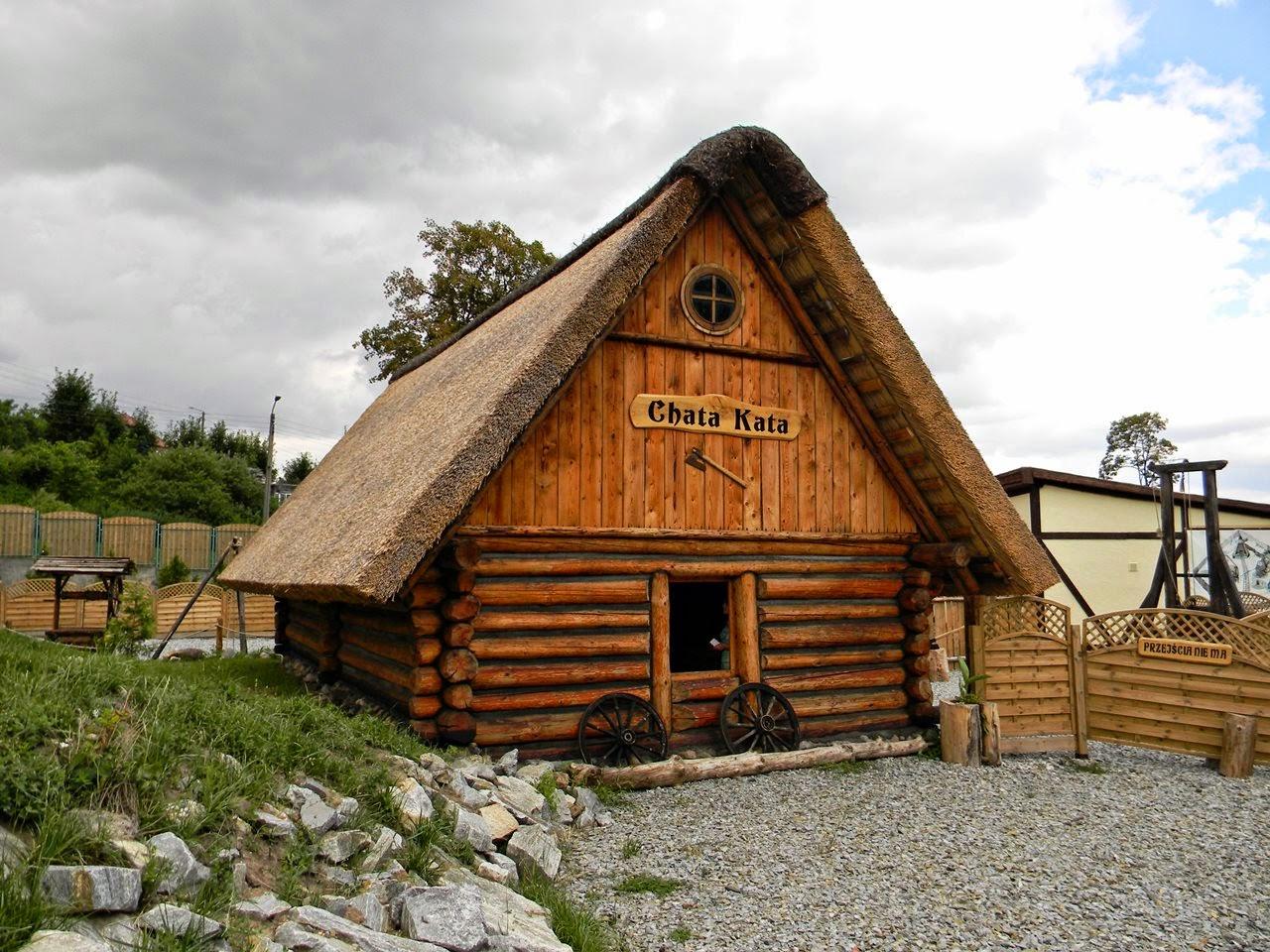 Złoty Stok, drewniany domek, atrakcje Dolnego Śląska