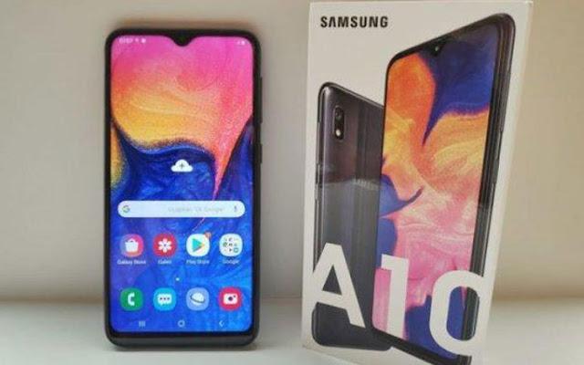 Semenjak kemunculannya di pasaran, Samsung Galaxy seri A terus saja diburu. Bahkan, harga handphone Samsung seri ini seperti menembak ke segala arah, mulai dari barisan ponsel murah hingga mahal.