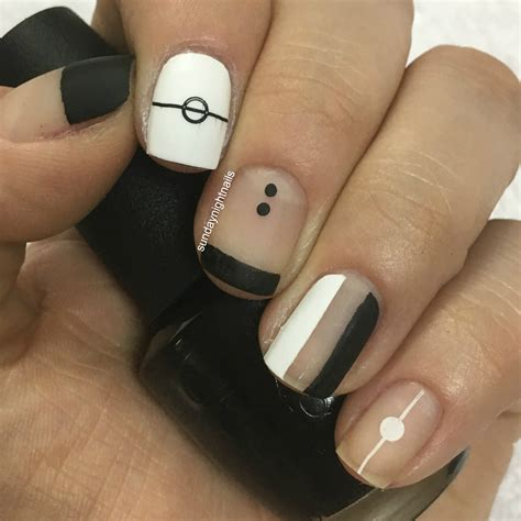 99+ Elegant Black Nail Art Designs