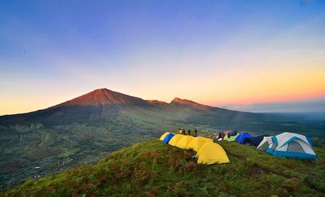 Berkemah di Bukit Pergasingan Lombok