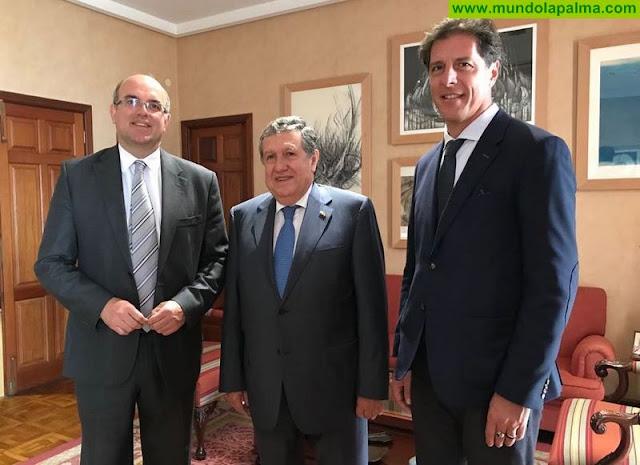 Anselmo Pestana recibe al embajador de Argentina en España, Ramón Puerta