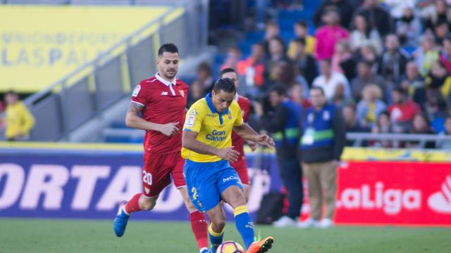 David Simón sutituyó al lesionado Macedo