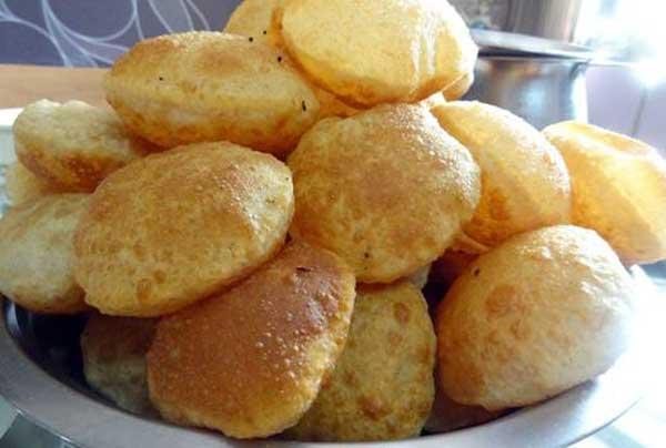 कुरकुरी गोल्डन पूरी बनाने की सरल रेसिपी   Kurkuri Golden Puri Recipe in hindi