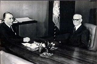 presidente médici e general geisel em 1973. anos 70. década de 70. ditadura militar. história anos 70.