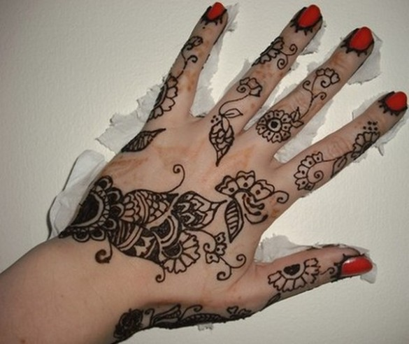 Hairstyle Review and Pictures: Latest Easy Mehndi Designs 2012