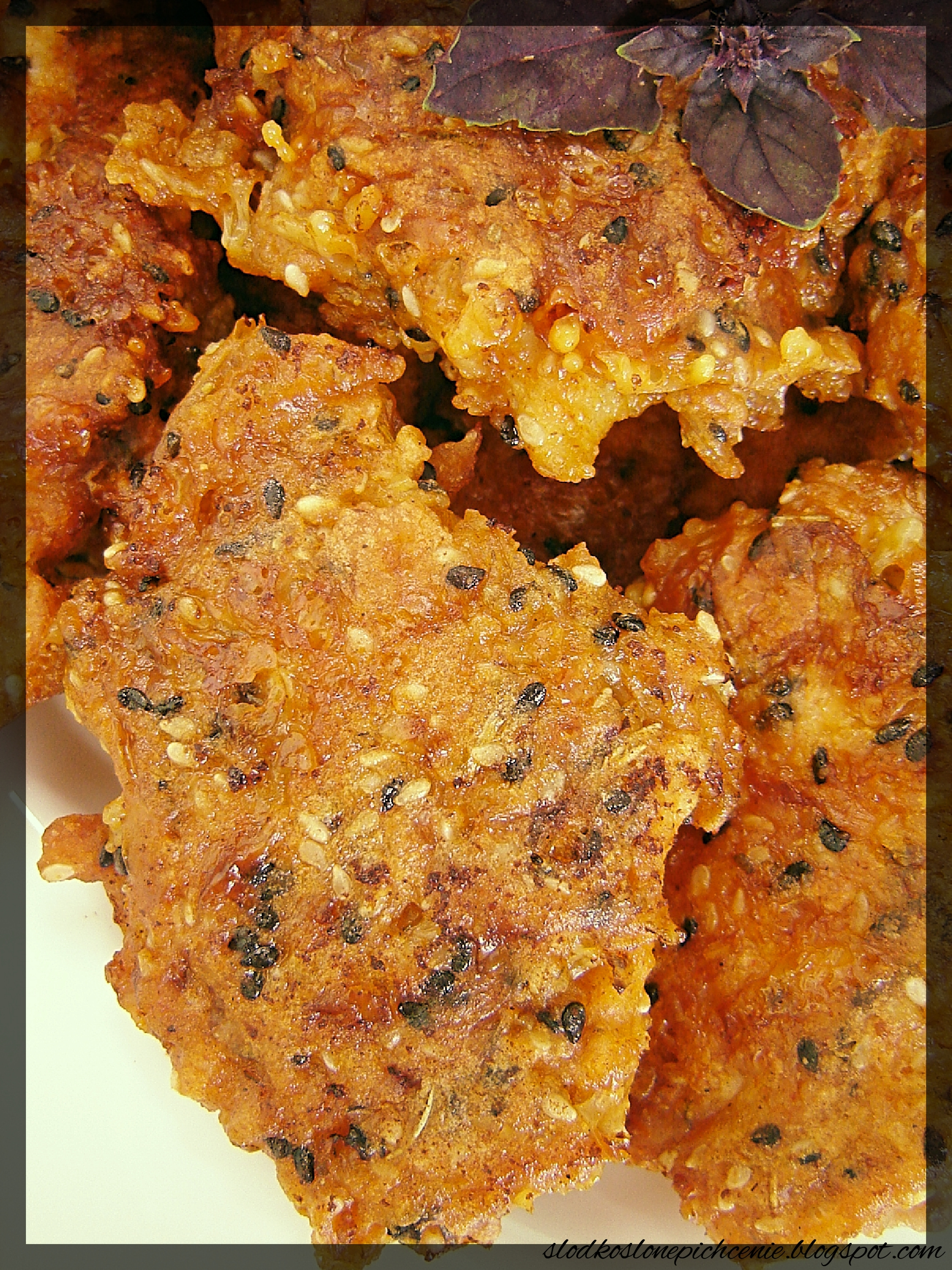 Kotlety drobiowe w panierce serowo-sezamowej