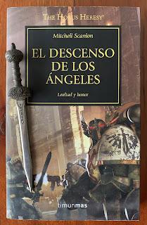 Portada del libro El descenso de los ángeles, de Mitchell Scanlon