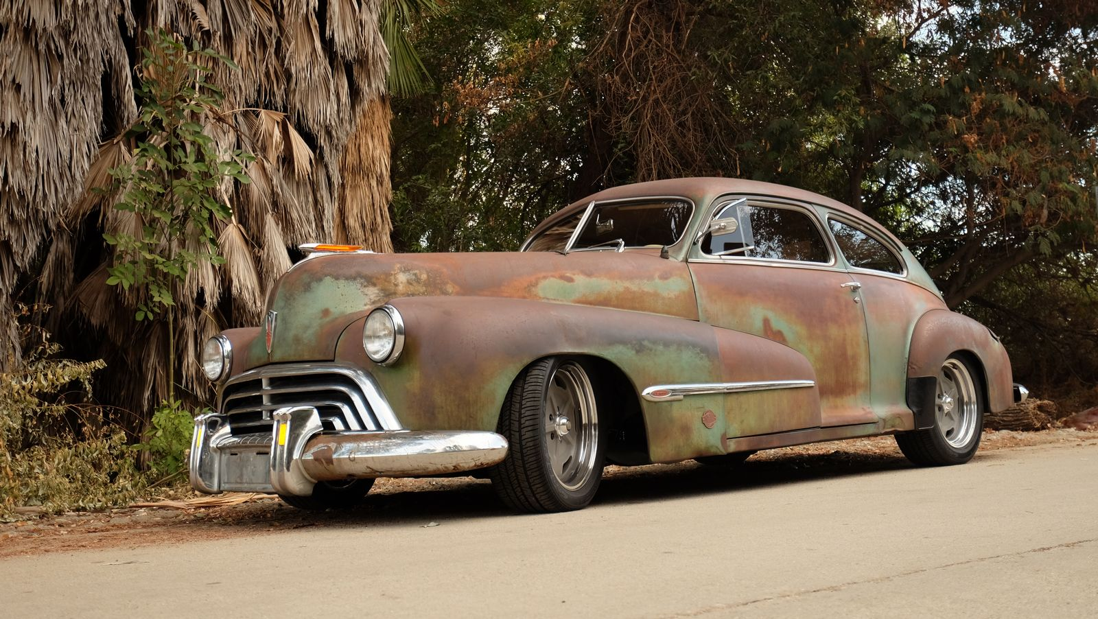 Icon S Derelict Oldsmobile Perfectly Combines Old And New