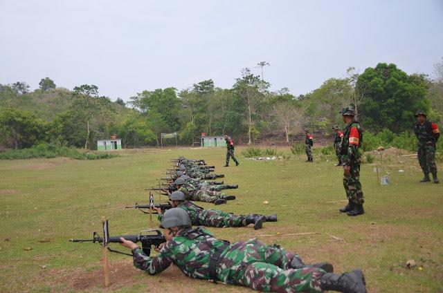 Personel Korem 141/Tp Laksanakan Latihan Menembak, Ini Jenis Senjata Dipakai