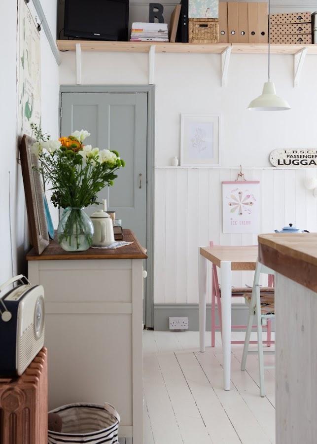 casa familiar con aires vintage y escandinavos. Reciclaje, diy,