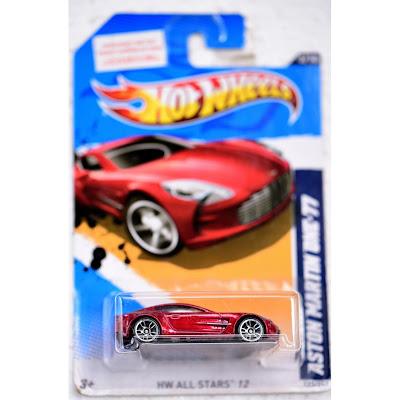 xe Hotwheels Ferrari 4