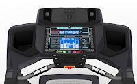 Schwinn 870 console with dual LCD display & Bluetooth connectivity, image