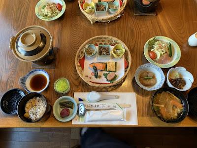 山木館の朝食