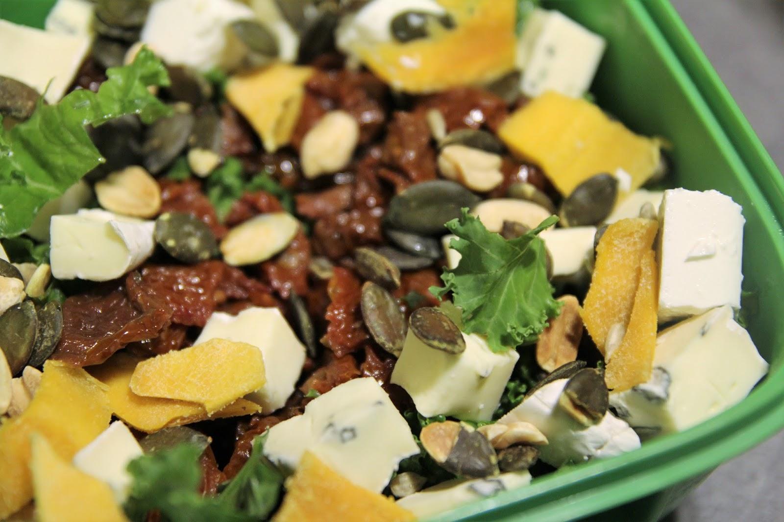 Prz E K O Nseczki Salatka Z Jarmuzu I Mango