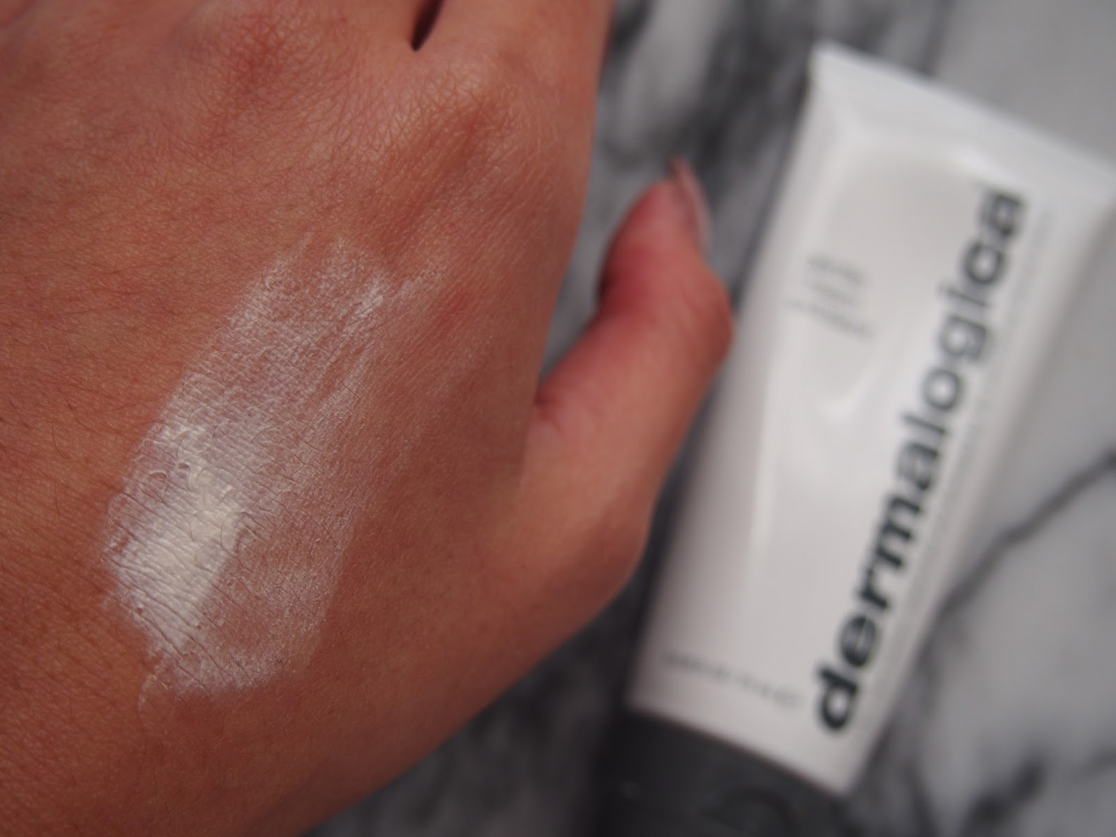 Review Dermalogica Gentle Cream Exfoliant Shrinking Wallet A Dha Hologram 15 Min After Application It Only Faded Away Slightly As Can Be Seen And Compared In The Pictures Above