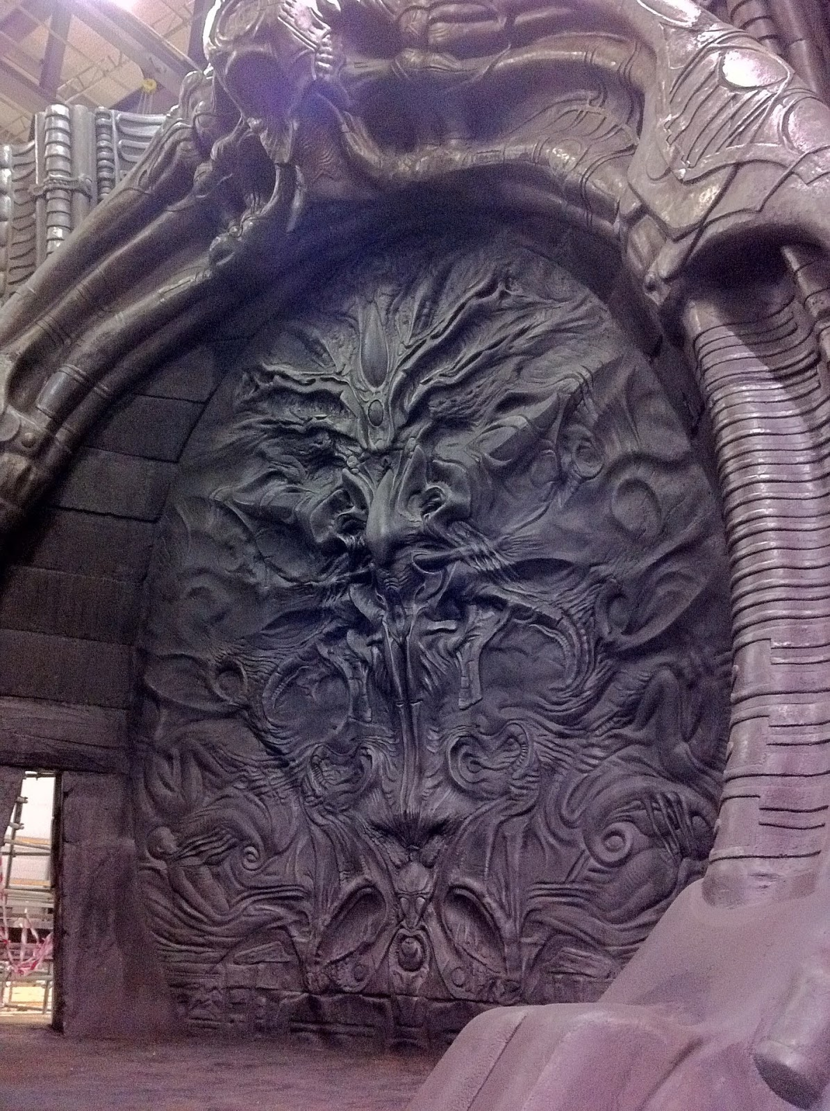 About the origins of the xenomorph for Prometheus xenomorph mural
