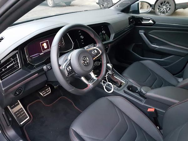VW Jetta GLi 2020: recall por problema nos bancos