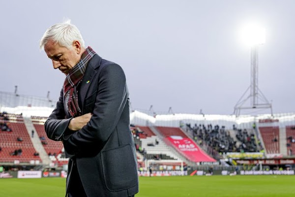 Oficial: ADO Den Haag, rescinde el técnico Pardew