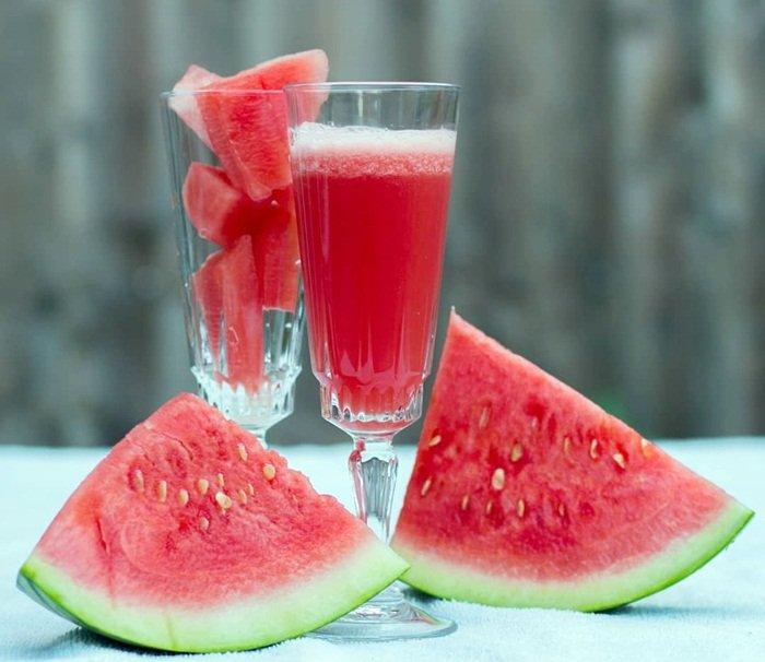 Jus semangka campur jeruk untuk menurunkan asam urat tinggi
