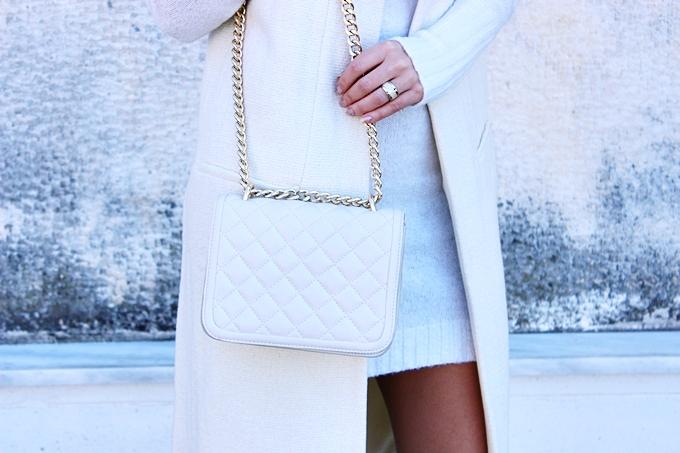 Zara white chain purse.Bela Zara tasna sa lancima.