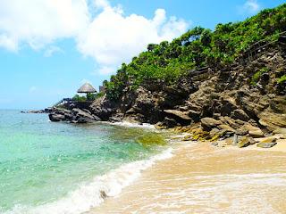 bliss beach, black iguana beach bar, paya bay resort, #payabay, #payabayresort, #blissbeachroatan, #clothingoptional,