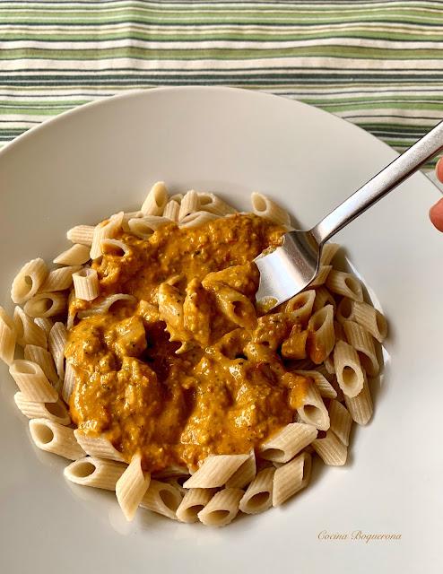 Salsa para pasta con tomate y pesto de piñones y pistachos