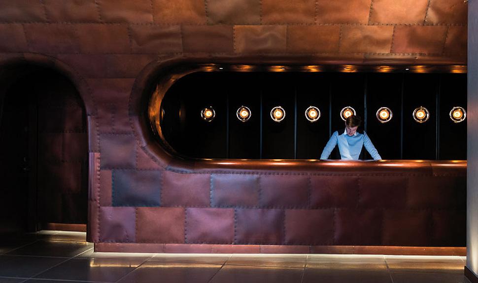Prancheta de arquiteto metal mondrian hotel sea for Hotel cube londres