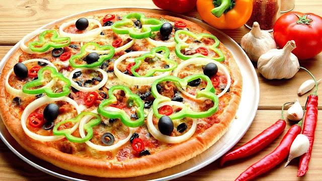 طريقة عمل البيتزا بالخضروات