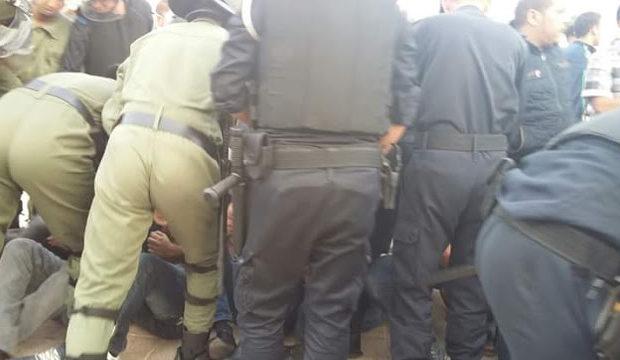 Sahara Occidental. La policía marroquí reprime brutalmente a una mujer saharaui