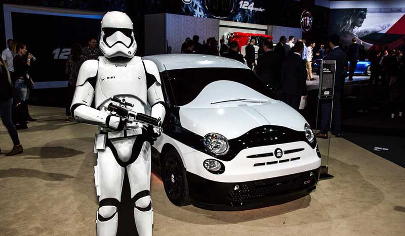 FIAT 500e Stormtrooper Η FCA συνεργάζεται με την Disney για το Star Wars και ξύπνησε την δύναμη των προσφορών Fiat, Fiat 500, Fiat 500X, Sales