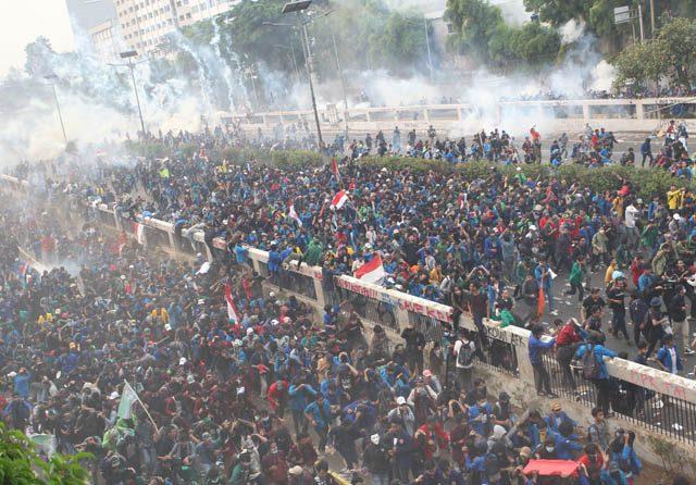 Media Asing Soroti Demo RUU KUHP dan UU KPK, Kredibilitas Jokowi Terancam