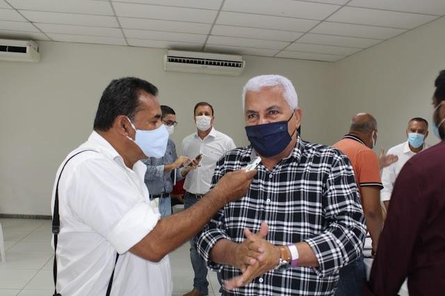 Inhambupe: prefeito busca fábrica para implantar no município e ajudar a reduzir o desemprego