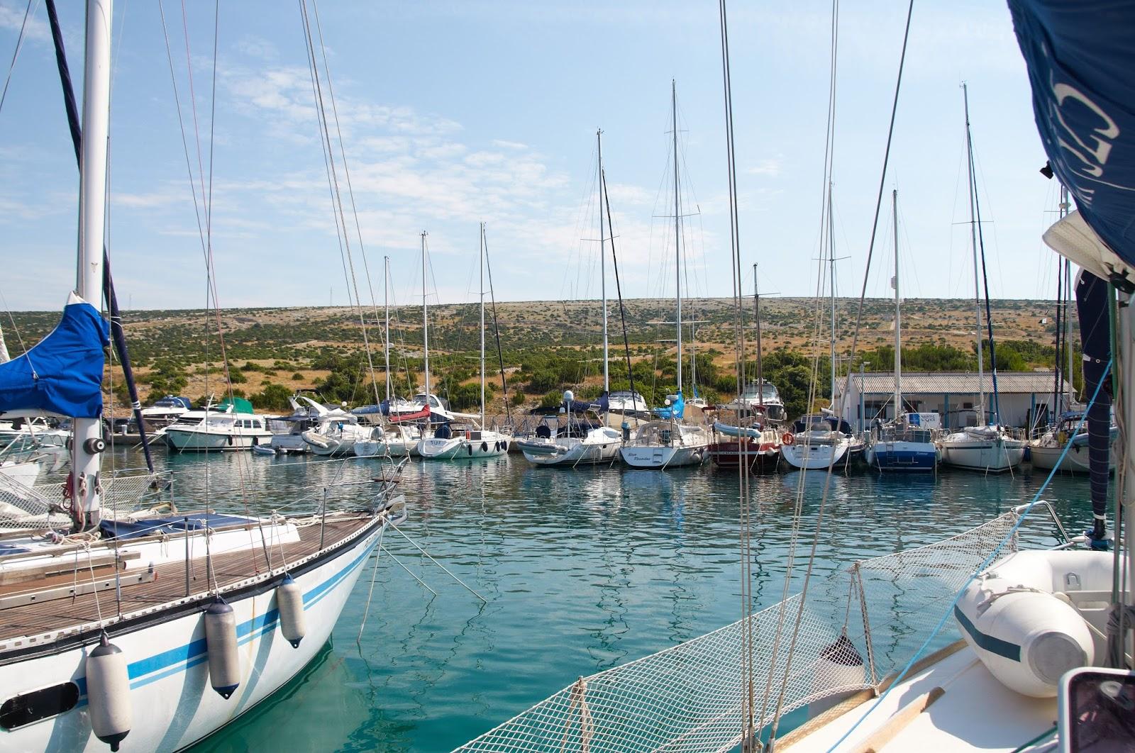 port jachtowy na wyspie Pag