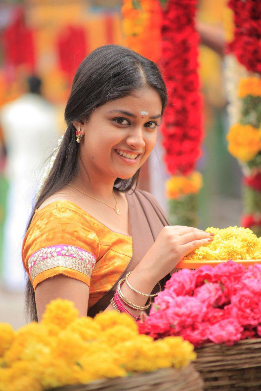 Keerthi Suresh Stills From Tamil Movie In Yellow Saree