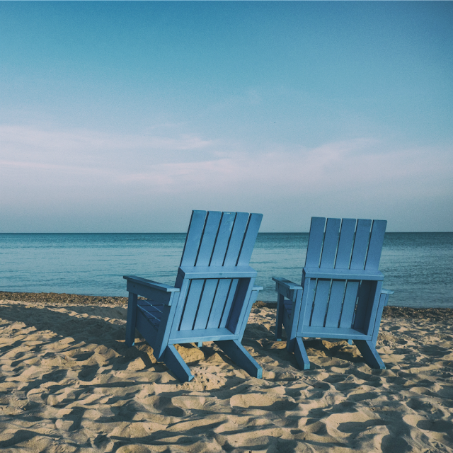 9 Little Known Ways to Ease Your Way Back Into Reality After Vacation