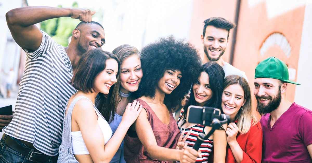 What Are The Characteristics Of Gen Z? - Moniedism