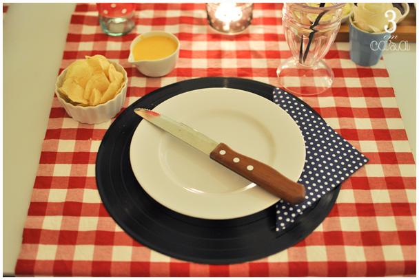 mesa posta noite do hambúrguer