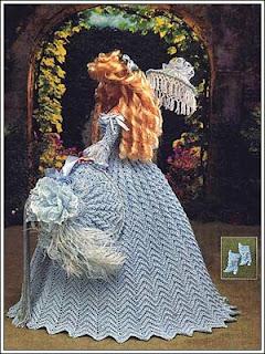 Vestido de Época em Crochê Para Boneca Barbie - Sra. Inglesa do Séc. XVIII crochet collector vol 57 costas